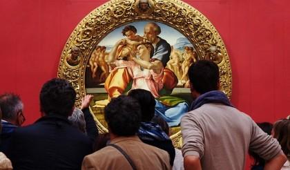 800px-Uffizi_Gallery_-_Michelangelo_painting__Tondo_Doni_